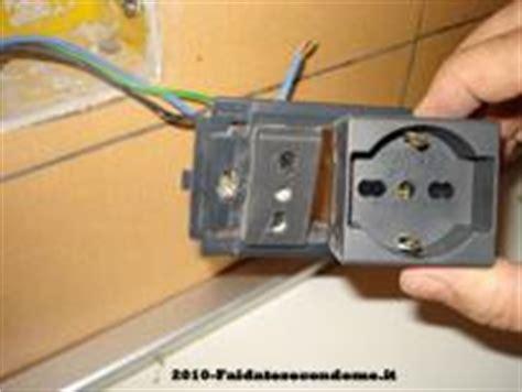 come portare corrente da una presa ad un interruttore come cambiare o aggiungere un frutto alla presa elettrica