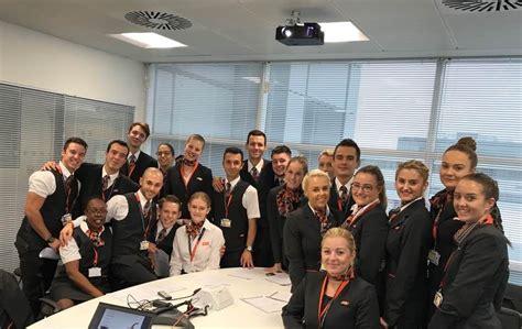 easyjet cabin crew salary new lgw crew easyjet office photo glassdoor co uk