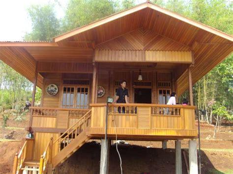 rumah panggung minimalis kayu beton
