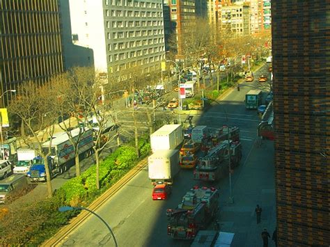 ny fdny engine 35 responding to amc loews at lincoln