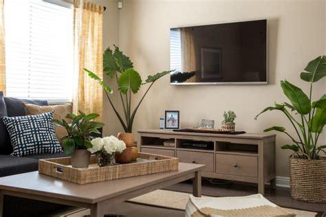 hgtv living room makeovers coastal living room makeover hgtv