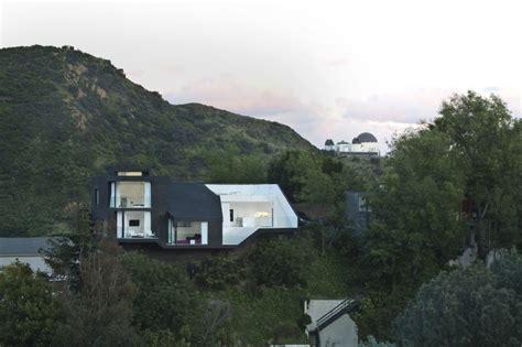 Hils Elegan nakahouse by xten architecture