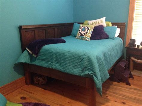 corner headboard hometalk corner queen size bed using 2 old 5 panel