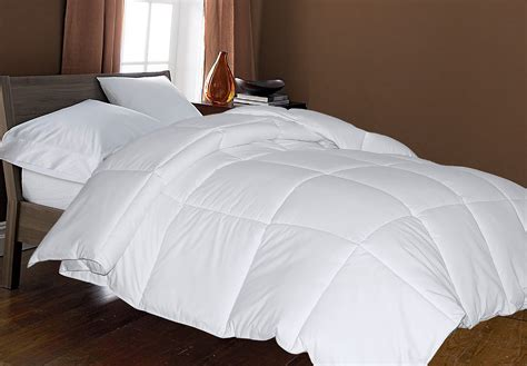 Wholesale Bulk Microfiber Down Alternative Comforter