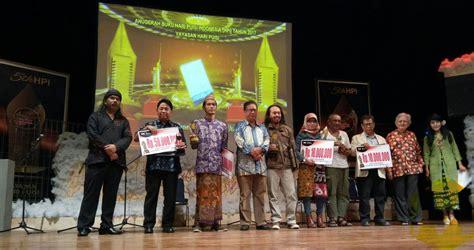 Puisi 25 Puisi 25 Penyair 25 Tahun Festival Bandung jalan panjang menuju hari puisi indonesia menara62