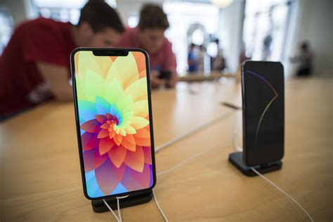 apple iphone xs review excess at its best time