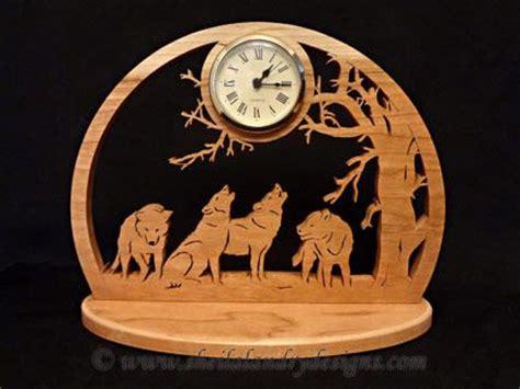 sldk howling wolves desk clock scroll  patterns