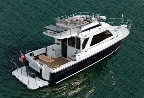 cutwater boats research 2015 cutwater c30 command bridge on iboats