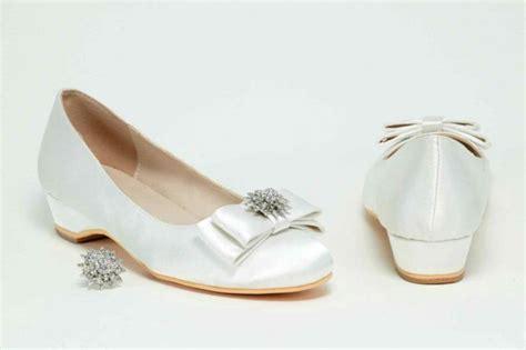 Flat Shoes Pita Putih 13 referensi sepatu cantik untuk mempelai wanita