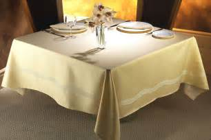 bed linens table lines