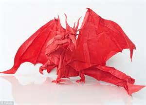 Amazing Origami - the most amazing origami artist creates detailed