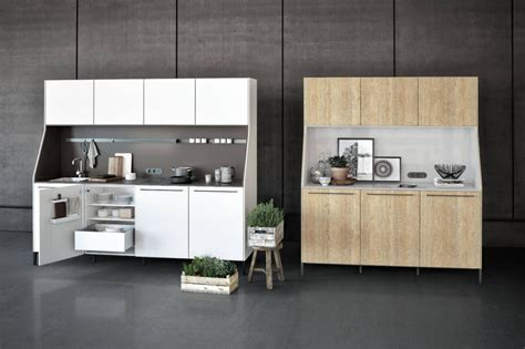 credenza cucina moderna una credenza in cucina ambiente cucina