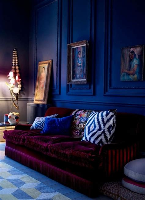 interiors  burgundy messagenote