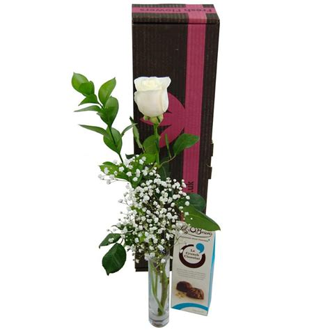 Can U Get Money Back From A Gift Card - single white rose gift set fresh white rose vase and chocolates for next day delivery