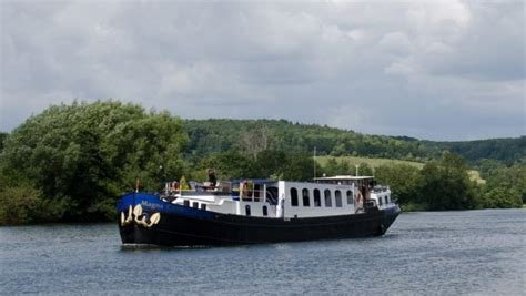 thames river cruise offers travel deals magna carta thames river cruise 10 per cent off