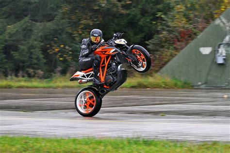 Ktm Wheelie Ktm On Ktm Duke Stunts And Motorbikes