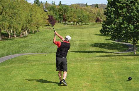 first swing golf talented kelowna golfer wins rattlesnake open golf title
