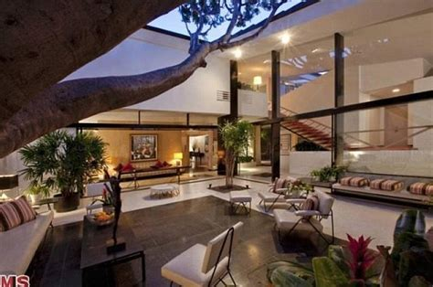 ellen degeneres and portia rossi splash out 40m on the brody house