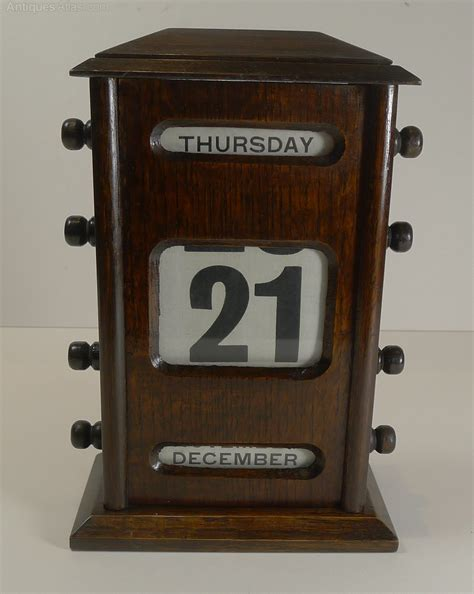 antique perpetual desk calendar antiques atlas large antique english oak perpetual desk