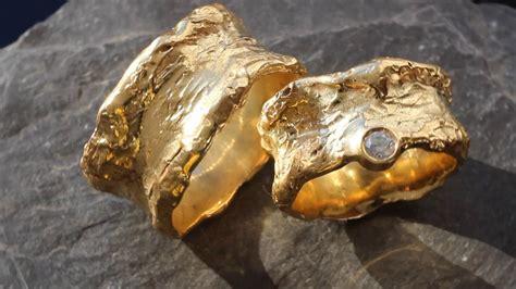 Hochzeitsringe Ausgefallen by Ausgefallene Hochzeitsringe Aus Gelbgold Mit Diamant