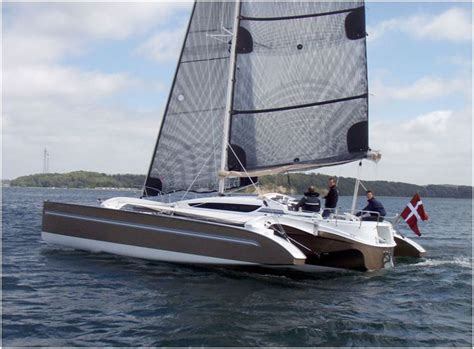 trimaran paradox for sale 32 dragonfly setting the highest standards for mid