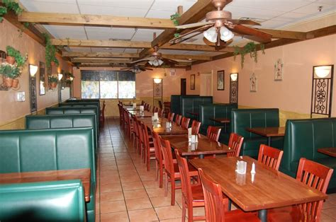 restaurant dining room layout il giardino pizza cafe upgrades its restaurant layout
