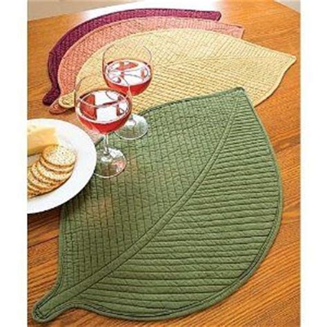 pattern for leaf shaped placemats quilted leaf placemats patchwork quilt applique