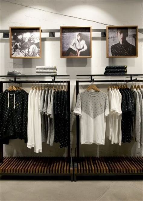 best clothes shop 25 best ideas about clothing store displays on