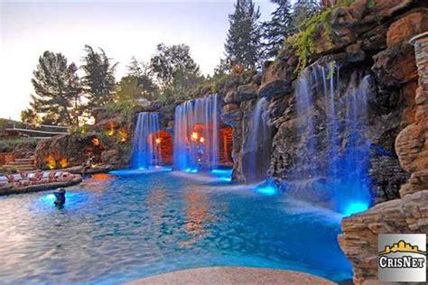 Drakes Backyard by 7 Homes For A Poolside Soiree Huffpost