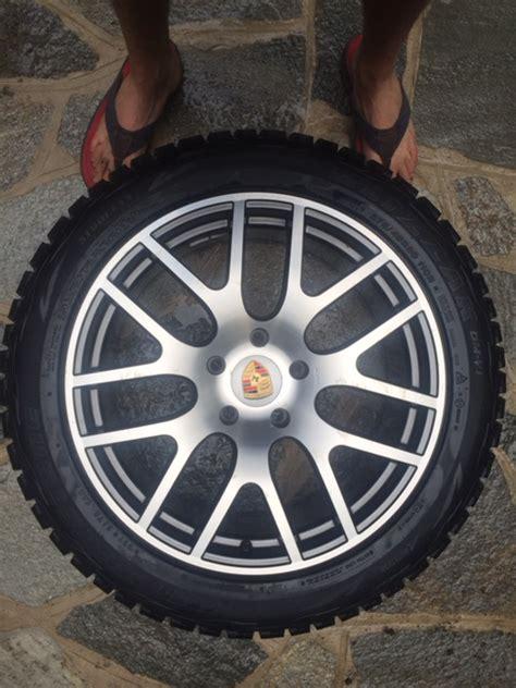 porsche cayenne winter tires fs 20 quot cayenne wheels and winter tires rennlist