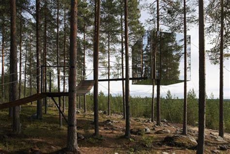mirrored house beautiful mirrored tree house enpundit