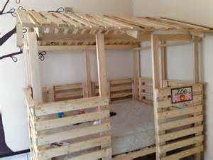 Loft Beds Made Out Of Pallets Casa Cama Hecha De Pallets Tama 241 O House Bed Made Out