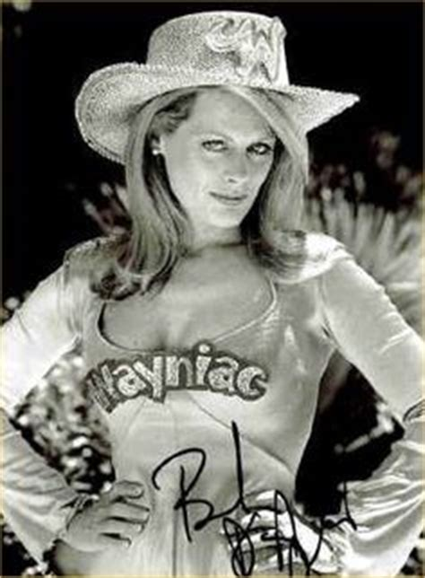beverly d angelo coal miner s daughter youtube beverly d angelo as patsy cline in coal miner s daughter