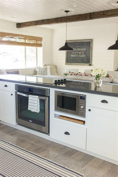 kitchen island with oven best 25 kitchen oven ideas on pinterest ovens in