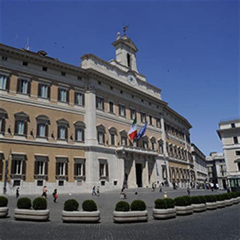 stipendi dipendenti d italia un lavoro redditizio ma non per tutti courier