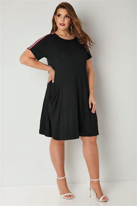 Pocket Dress black jersey pocket dress with stripe shoulders plus size