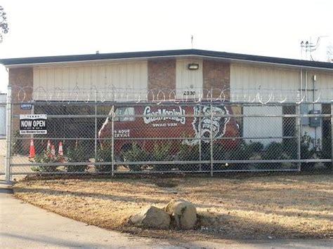 Gas Monkey Garage In Dallas by Gas Monkey Garage Dallas Classic Cars And Trucks
