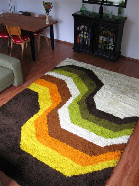 teppiche 70er jahre 70er hochfloor teppich archiv gardinen johnny tapete