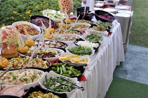 outdoor weddings and your food