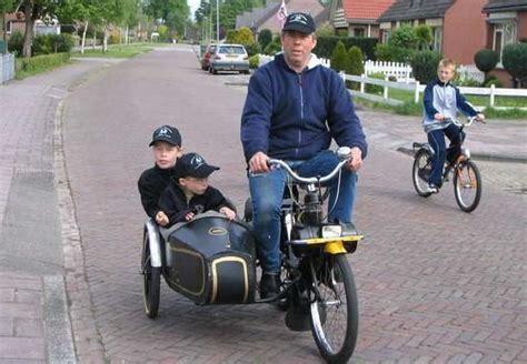 50ccm Motorrad Mit Beiwagen by Eine Velosolex Mit Beiwagen Interessant 50cc