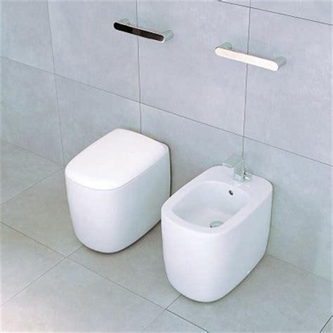 sanitari bagni piccoli sanitari small per piccoli bagni idea arredo