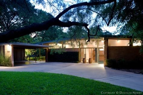 Modern Home Design Ranch by Mid Century Home At 7019 Delrose Avenue Dallas Texas