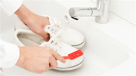 5 steps to keep your white sneakers squeaky clean gq