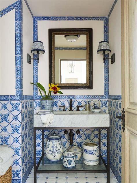 sencillas ideas  decorar cuartos de bano pequenos