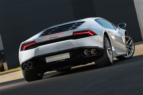 lamborghini back view the lamborghini huracan 18 things you didn t know motor