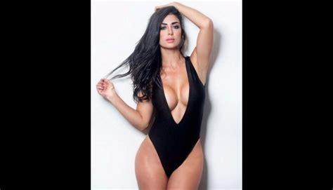 claudia ramirez modelo claudia ram 237 rez monumento de mujer que alienta a colombia