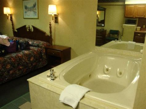 hotels in pigeon forge with tubs in room riverside towers updated 2018 hotel reviews pigeon forge tn tripadvisor