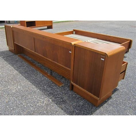 Teak Platform Bed Vintage Mid Century Teak Platform Bed With Nightstands For Sale At 1stdibs