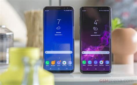 samsungs galaxy  trio  foldable phone detailed