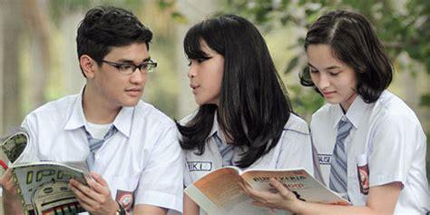 film indonesia refrain download maudy ayunda review refrain berjalan pulang ke
